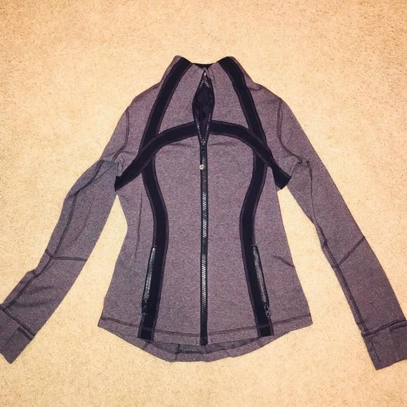 3695dac39d45d6 EUC lululemon Define Jacket in RARE Black Swan 8. M 5ac8322d2ab8c5213624f544